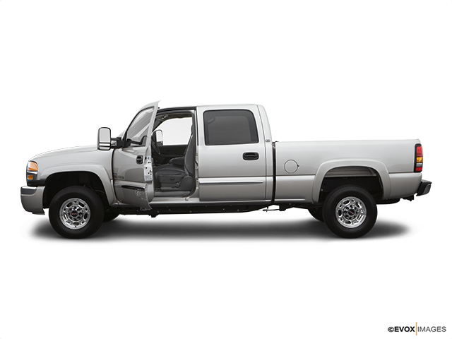 2007 GMC Sierra 2500HD Classic Driver's side profile with drivers side door open
