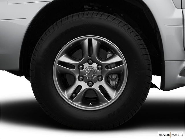 2007 Lexus GX 470 Front Drivers side wheel at profile