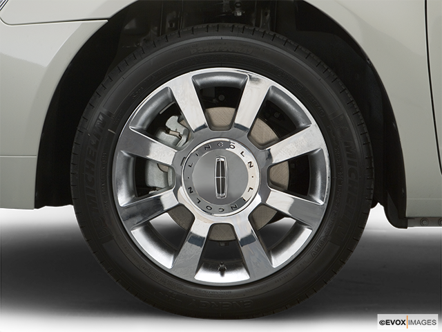 2007 Lincoln MKZ Front Drivers side wheel at profile