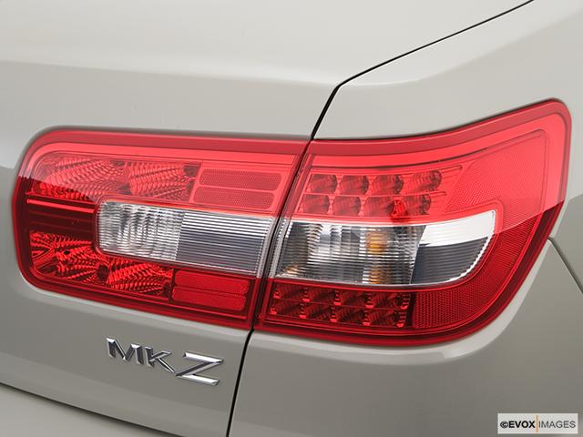 2007 Lincoln MKZ Passenger Side Taillight