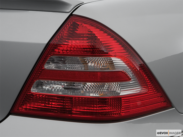 2007 Mercedes-Benz C-Class Passenger Side Taillight