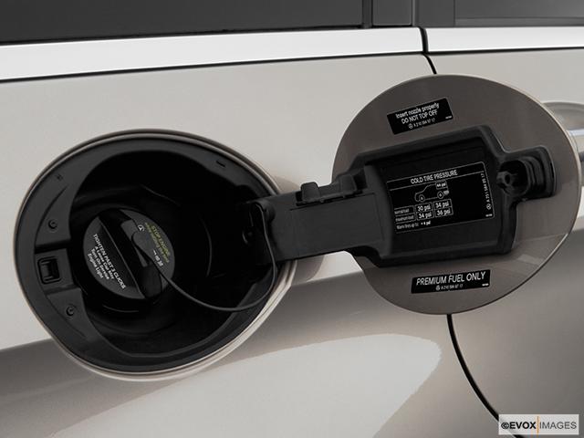 2007 Mercedes-Benz R-Class Gas cap open