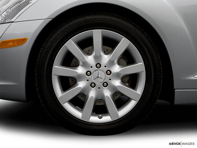 2007 Mercedes-Benz S-Class Front Drivers side wheel at profile