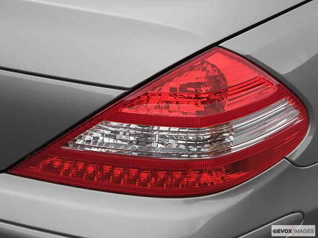 2007 Mercedes-Benz SL-Class Passenger Side Taillight