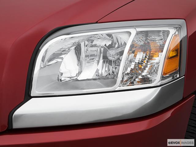 2007 Mitsubishi Raider Drivers Side Headlight