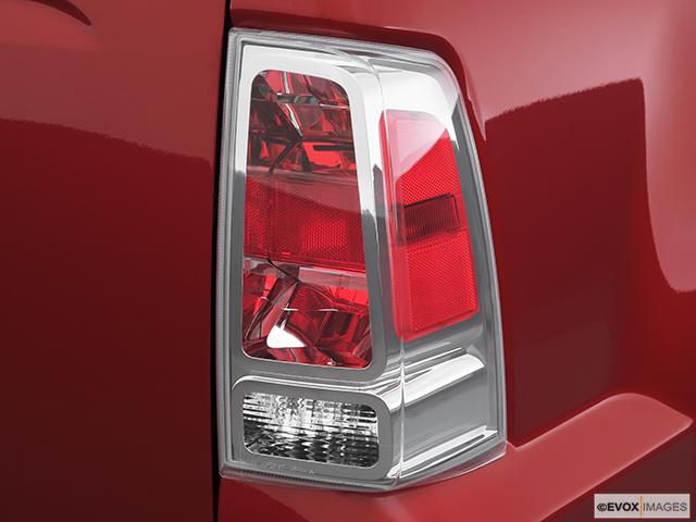 2007 Mitsubishi Raider Passenger Side Taillight