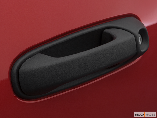 2007 Mitsubishi Raider Drivers Side Door handle
