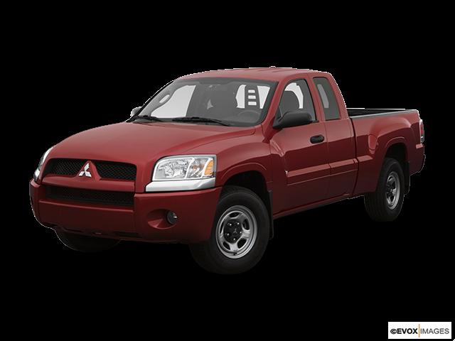 2007 Mitsubishi Raider Front angle view