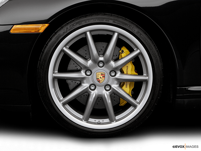 2007 Porsche 911 Front Drivers side wheel at profile
