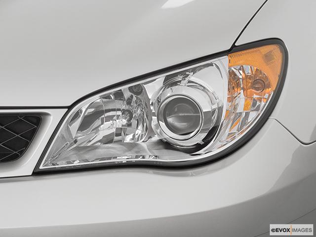 2007 Subaru Impreza Drivers Side Headlight