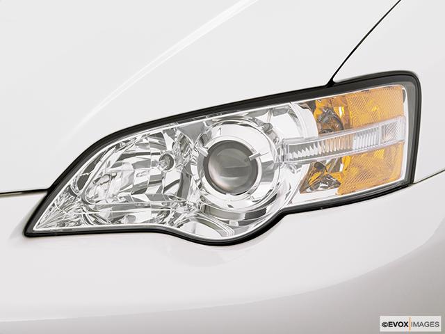2007 Subaru Legacy Drivers Side Headlight