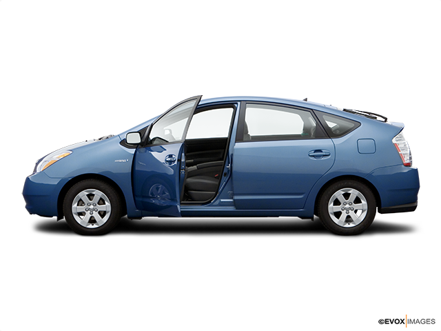 2007 Toyota Prius Driver's side profile with drivers side door open