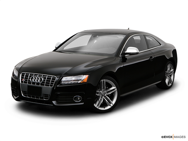 2008 Audi S5 Front angle view
