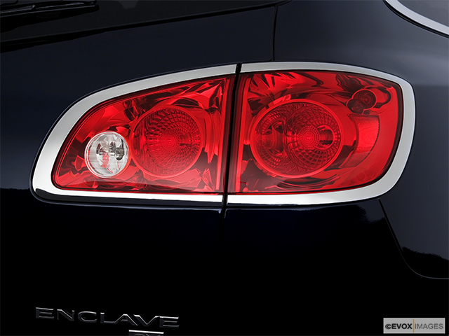 2008 Buick Enclave Passenger Side Taillight