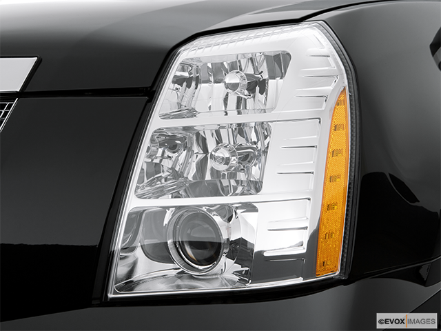 2008 Cadillac Escalade EXT Drivers Side Headlight