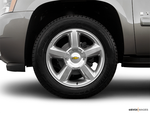 2008 Chevrolet Tahoe Front Drivers side wheel at profile