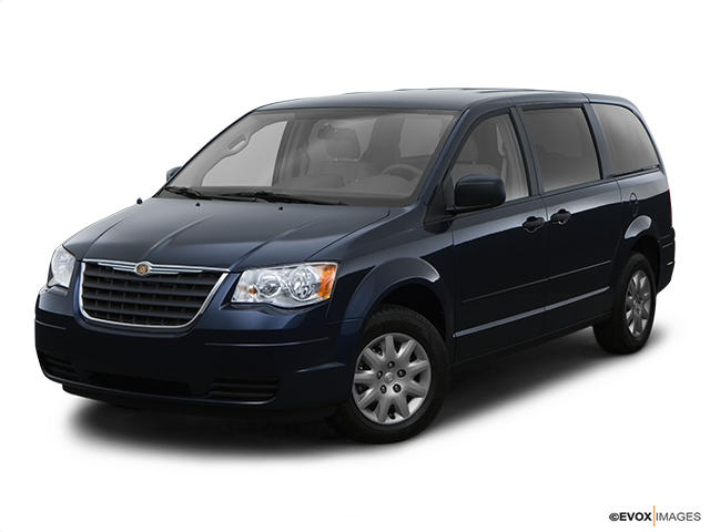 2008 Chrysler Town and Country Front angle view