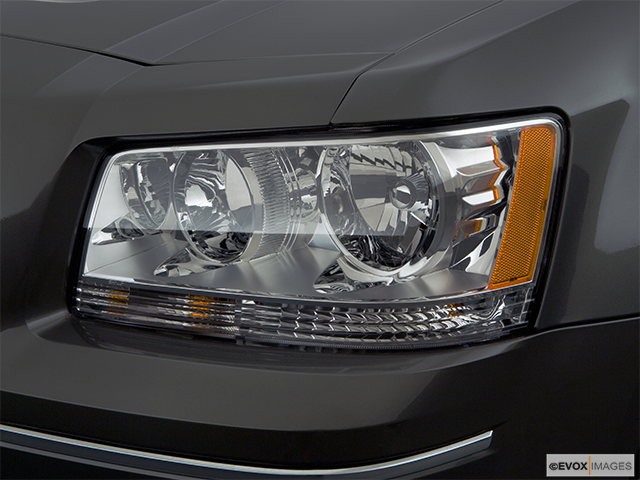 2008 Dodge Magnum Drivers Side Headlight
