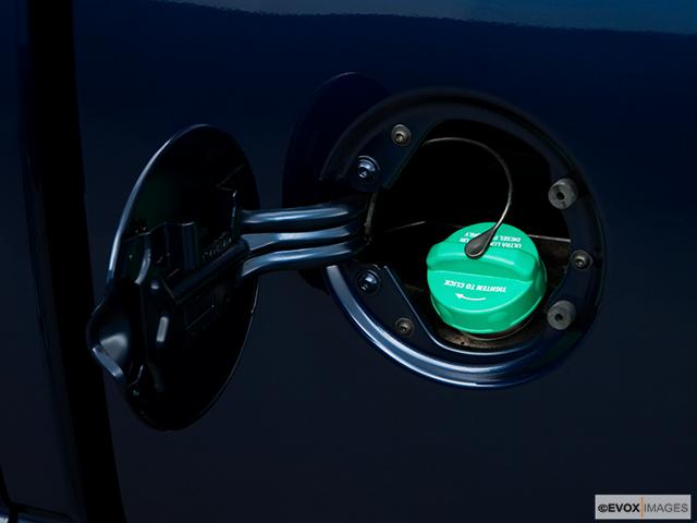 2008 Dodge Ram Pickup 2500 Gas cap open