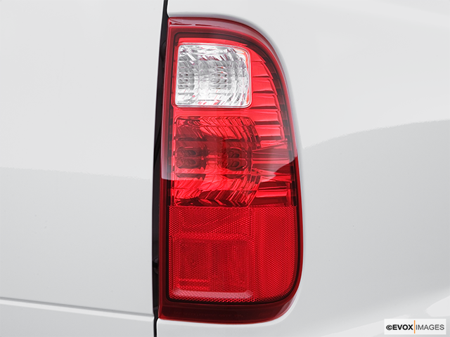 2008 Ford F-250 Super Duty Passenger Side Taillight