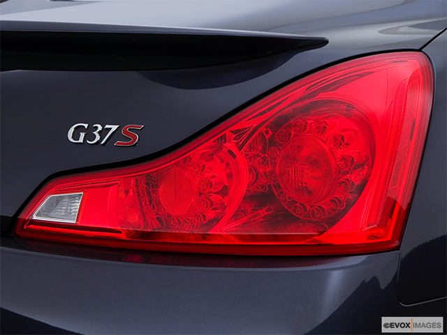 2008 INFINITI G37 Passenger Side Taillight