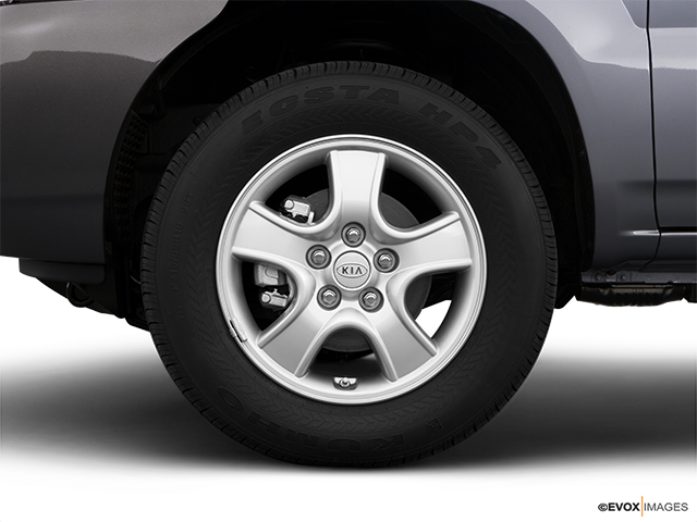 2008 Kia Sportage Front Drivers side wheel at profile