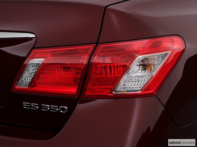 2008 Lexus ES 350 Passenger Side Taillight