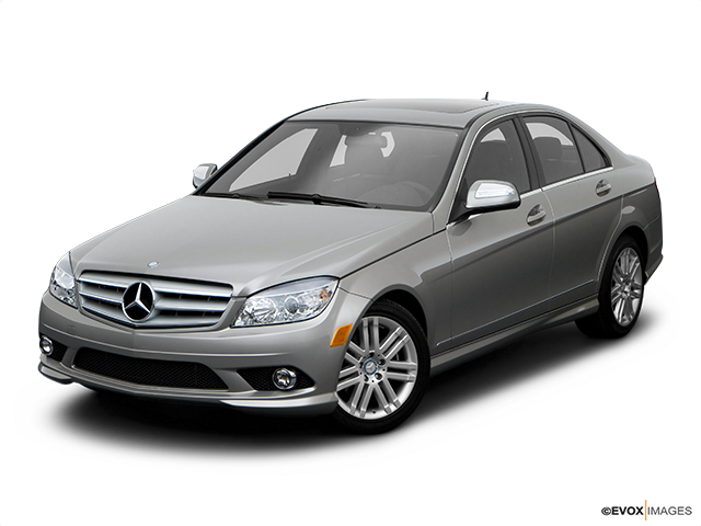 2008 Mercedes-Benz C-Class Front angle view