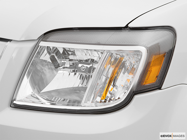 2008 Mercury Mariner Drivers Side Headlight