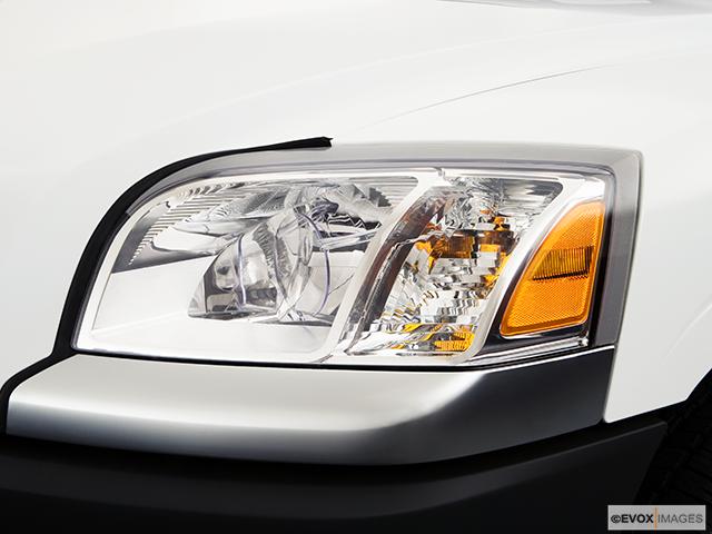 2008 Mitsubishi Raider Drivers Side Headlight