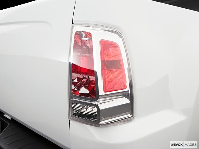 2008 Mitsubishi Raider Passenger Side Taillight