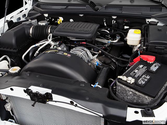 2008 Mitsubishi Raider Engine
