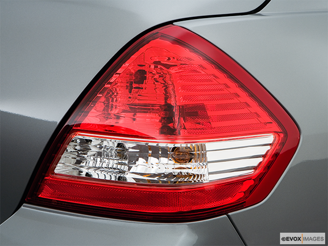 2008 Nissan Versa Passenger Side Taillight