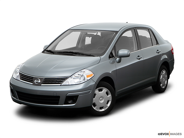 2008 Nissan Versa Front angle view