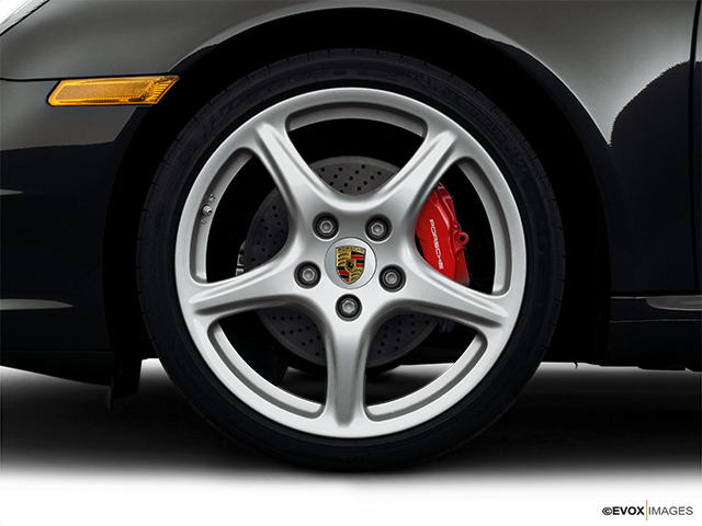 2008 Porsche 911 Front Drivers side wheel at profile