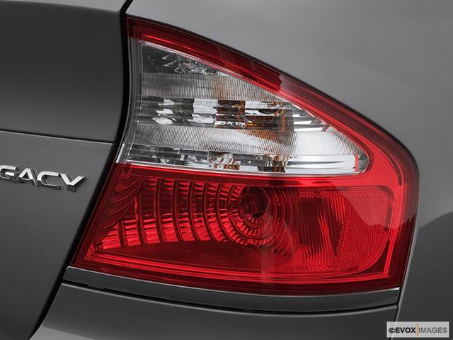 2008 Subaru Legacy Passenger Side Taillight