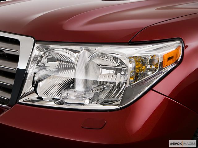 2008 Toyota Land Cruiser Drivers Side Headlight
