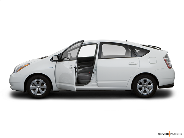 2008 Toyota Prius Driver's side profile with drivers side door open