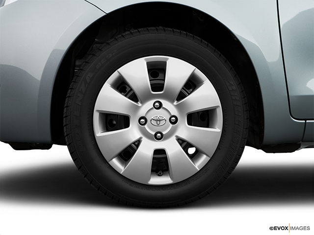 2008 Toyota Yaris Front Drivers side wheel at profile