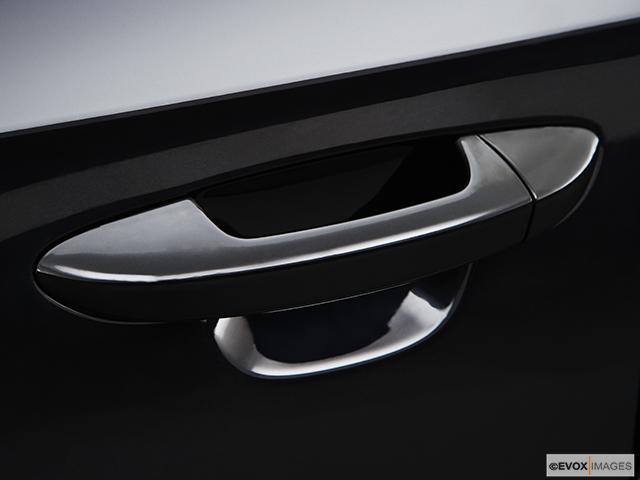 2008 Volkswagen Passat Drivers Side Door handle