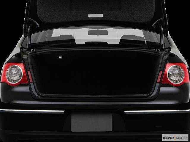 2008 Volkswagen Passat Trunk open