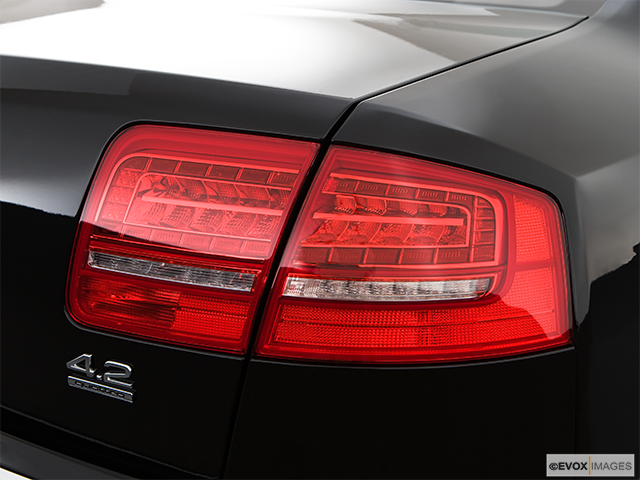 2009 Audi A8 Passenger Side Taillight