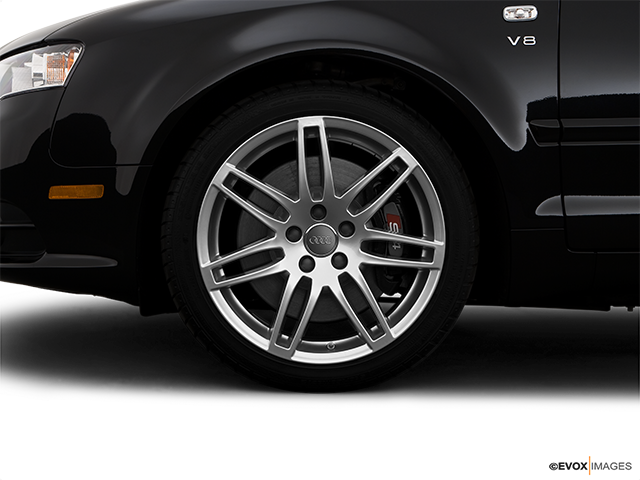 2009 Audi S4 Front Drivers side wheel at profile