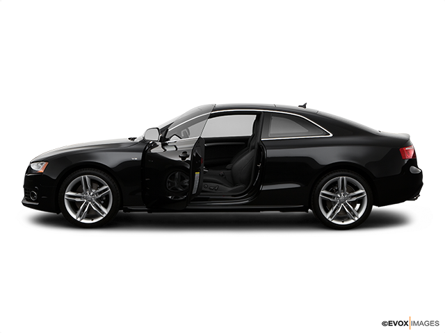 2009 Audi S5 Driver's side profile with drivers side door open