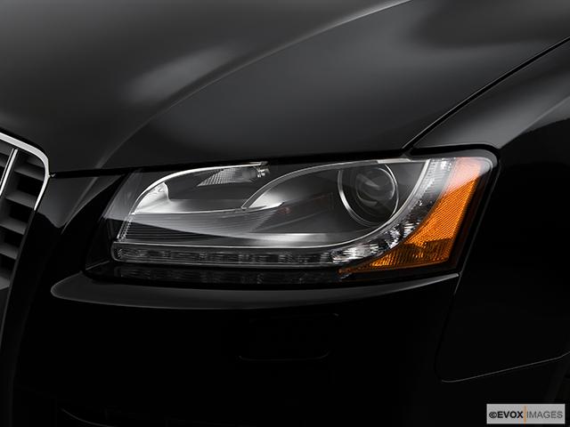 2009 Audi S5 Drivers Side Headlight