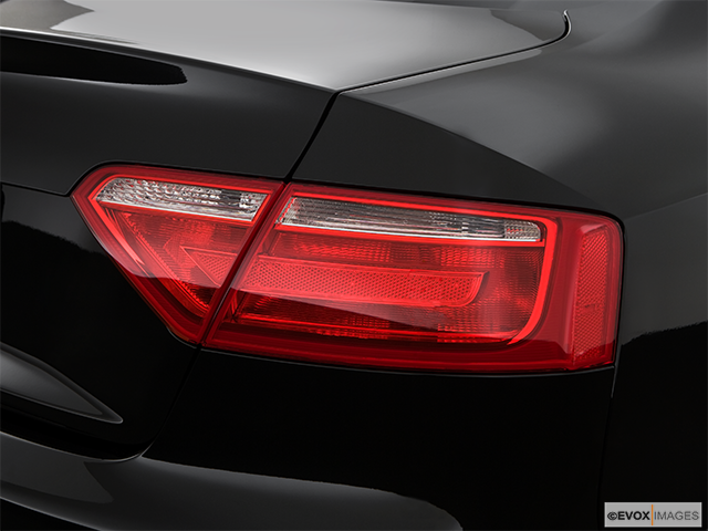 2009 Audi S5 Passenger Side Taillight