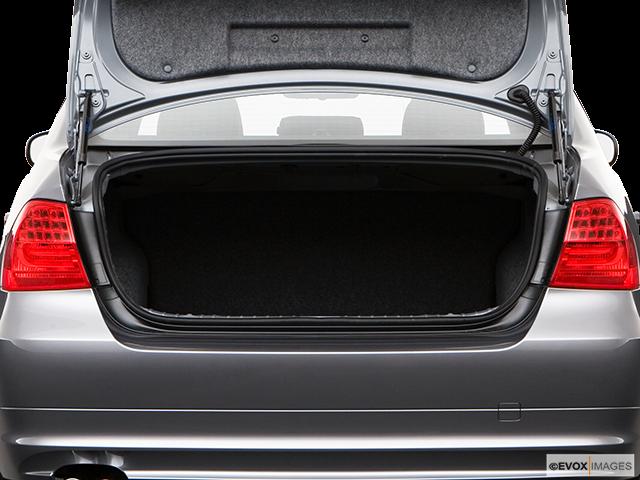 2009 BMW 3 Series Trunk open
