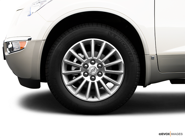 2009 Buick Enclave Front Drivers side wheel at profile