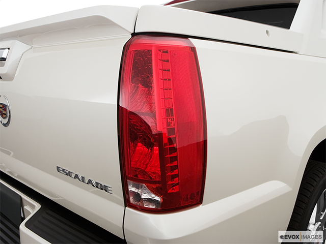 2009 Cadillac Escalade EXT Passenger Side Taillight