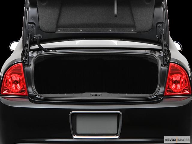 2009 Chevrolet Malibu Trunk open